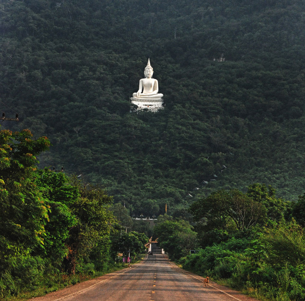 Temple road filming location in Thailand